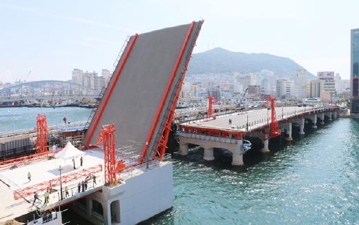 釜山影岛大桥回复到47年前的景象!