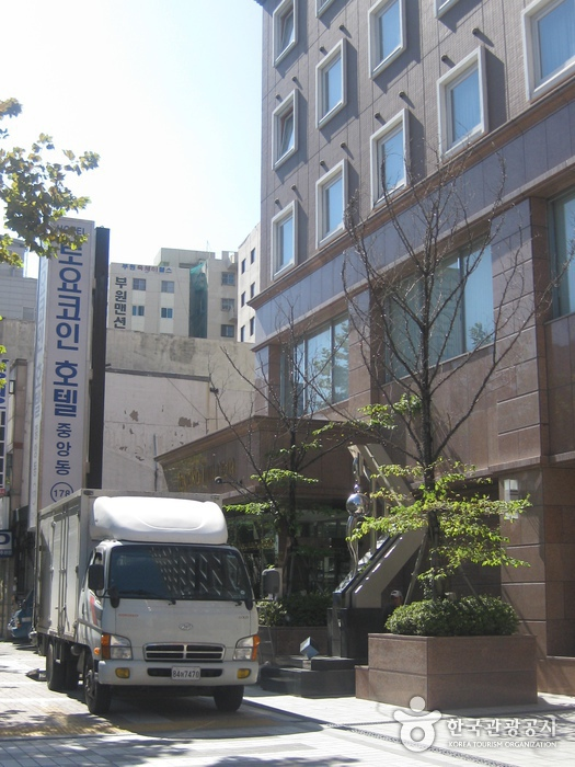 東横INNホテル(釜山駅2)(토요코인호텔 (중앙동점))