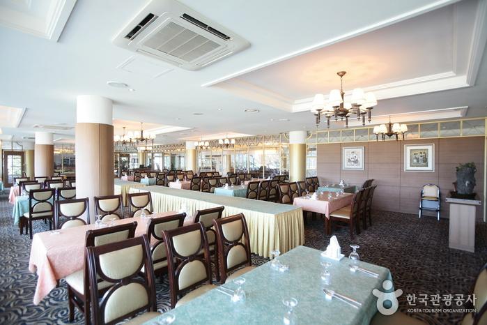 Отель Sunshine на острове Чечжу (제주 선샤인호텔)16