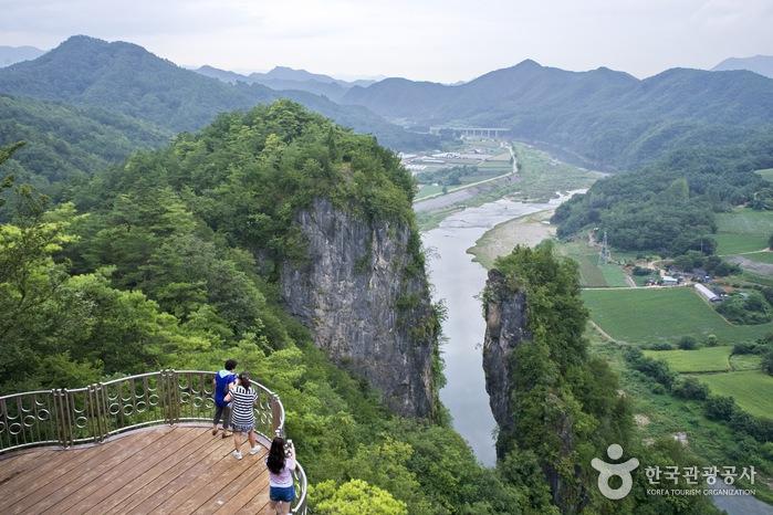 선돌 (강원고생대 국가지질공원)