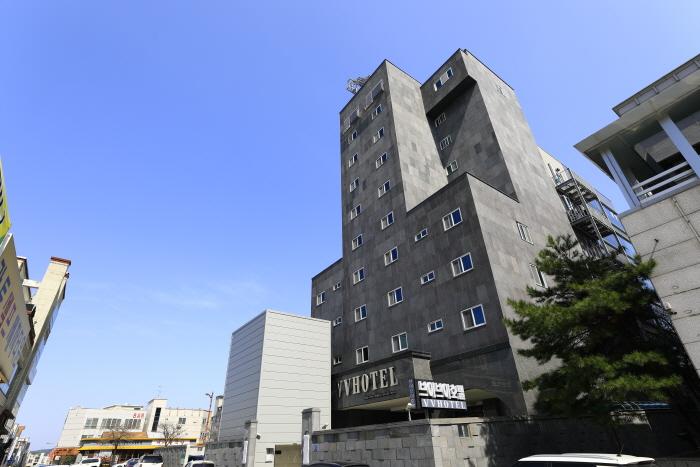 VV hotel (브이브이 호텔)