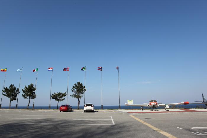 육해공군의 군사 장비를 볼 수 있는 강릉통일공원