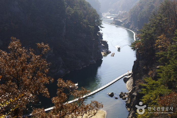 Goseokjeong National Tourist Area (고석정국민관광지)
