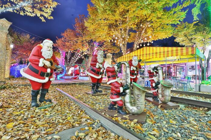 청도 프로방스 크리스마스 산타마을 빛축제 2019