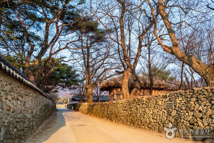 牙山外岩民俗村(아산 외암민속마을)