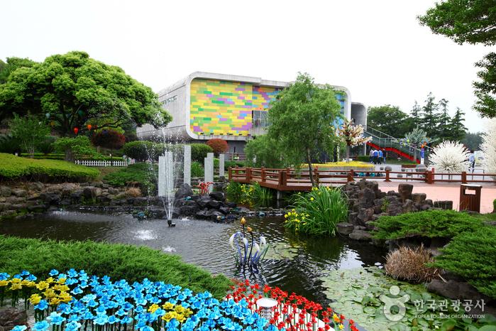済州ガラスの城(제주 유리의성)