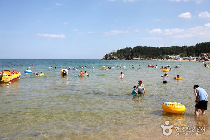 Chuam Beach (추암해변)