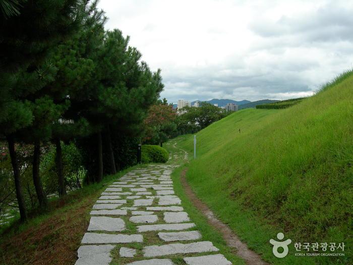 Музей Покчхон (Пусан) (복천박물관(부산))19