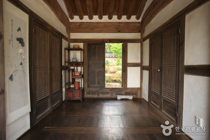 Casa del Aristócrata Choi (최참판댁)34