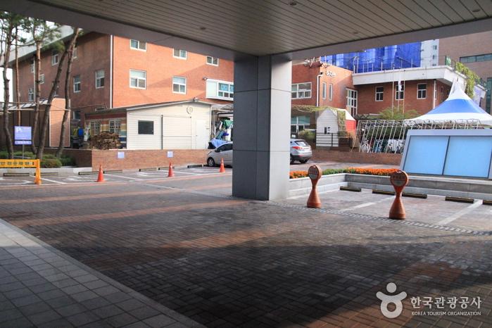Молодёжный хостел Hi Seoul (하이서울유스호스텔)