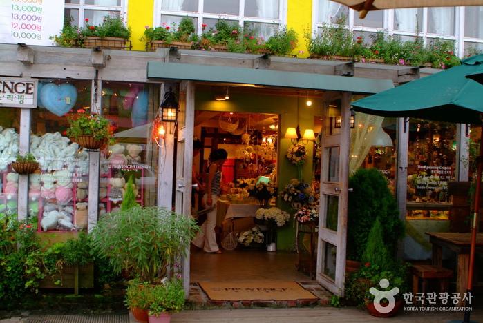 韩国花店装修风格