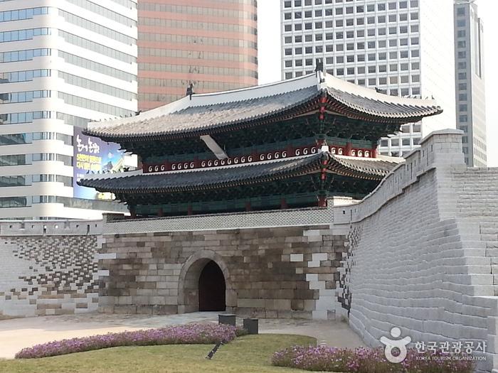 Tor Sungnyemun (Tor Namdaemun) (숭례문)