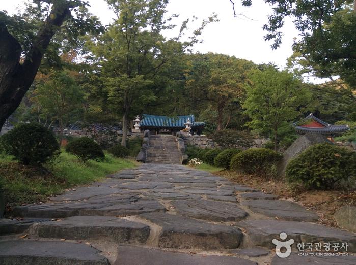 香泉寺(礼山)(향천사(예산))