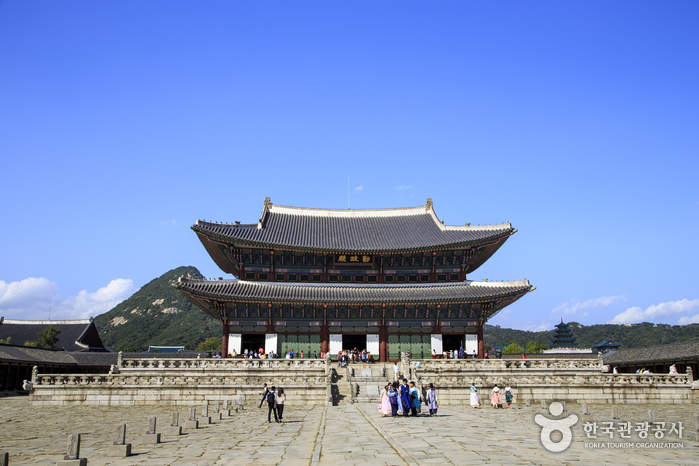 Gyeongbokgung Palace Special Evening Admission (경복궁 야간 특별관람)