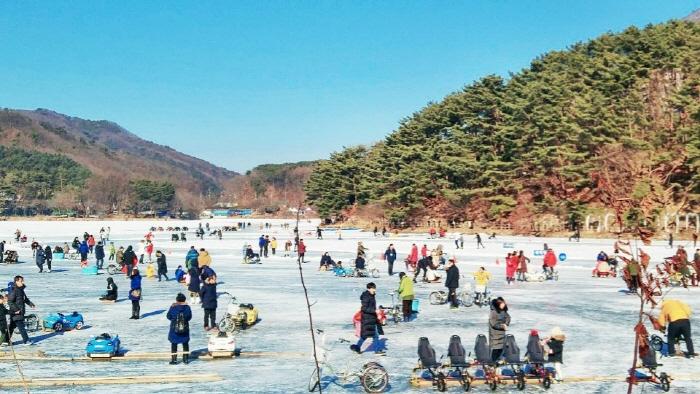 抱川 山井湖ソリ祭り(포천산정호수 썰매축제)