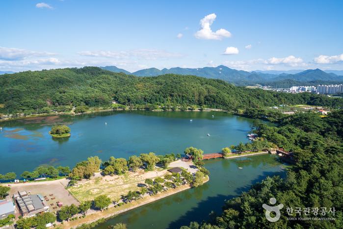 Водохранилище Ыйримчжи и лес Черим (제천 의림지와 제림)13