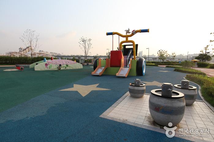 Gwangnaru Hangang Park (한강시민공원 광나루지구(광나루한강공원))