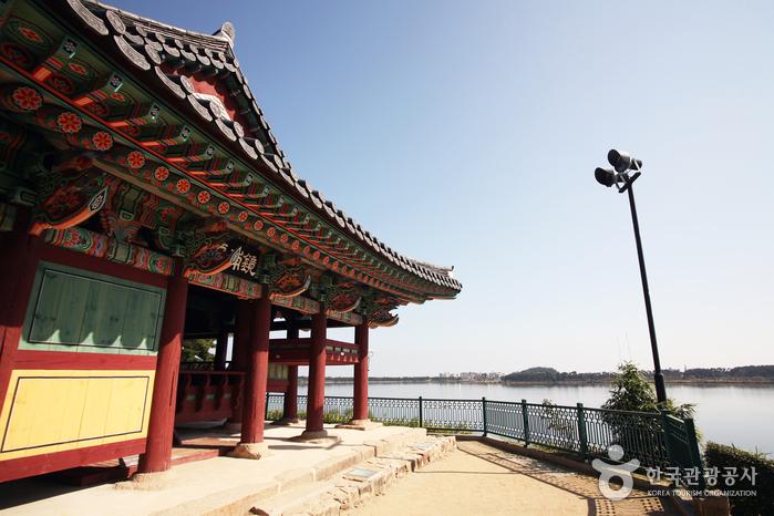 Gyeongpodae (강릉 경포대)