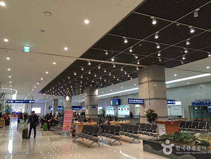 Internationales Passagierterminal am Hafen Busanhang (부산항 국제여객터미널)