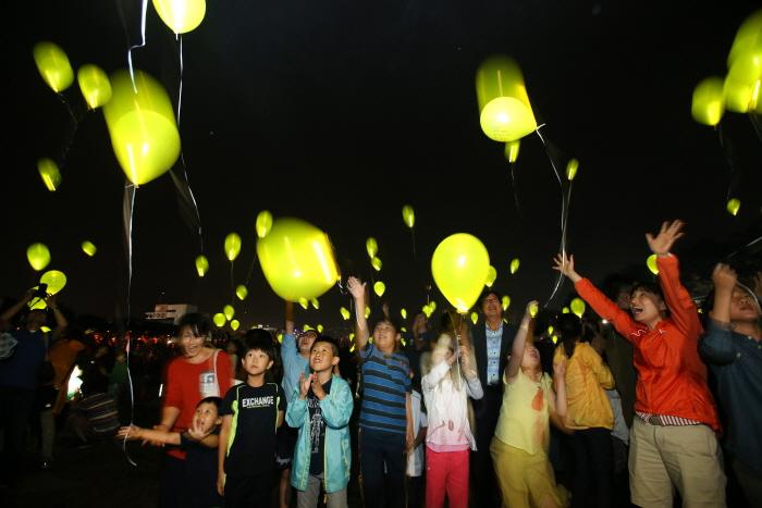 늦여름 밤을 수놓는 반딧불이의 향연, 2016 무주반딧불축제 즐기기
