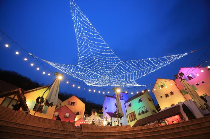 Little Prince Lighting Festival of Petite France (쁘띠프랑스 어린왕자 별빛축제)