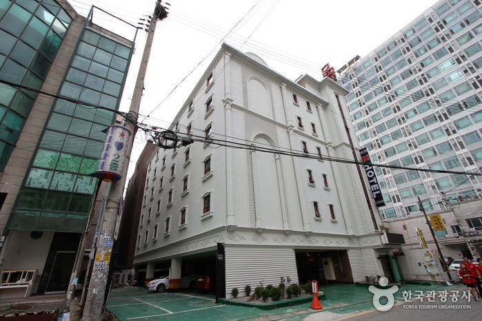 New M Hotel (뉴엠호텔)
