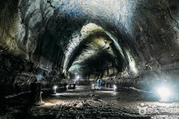 Cave de Manjanggul (만장굴)