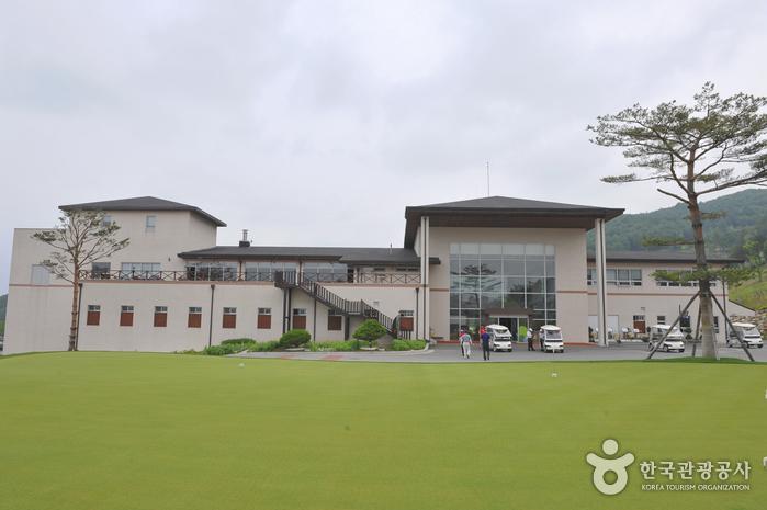 O2 Golf & Resort (오투리조트 골프장)