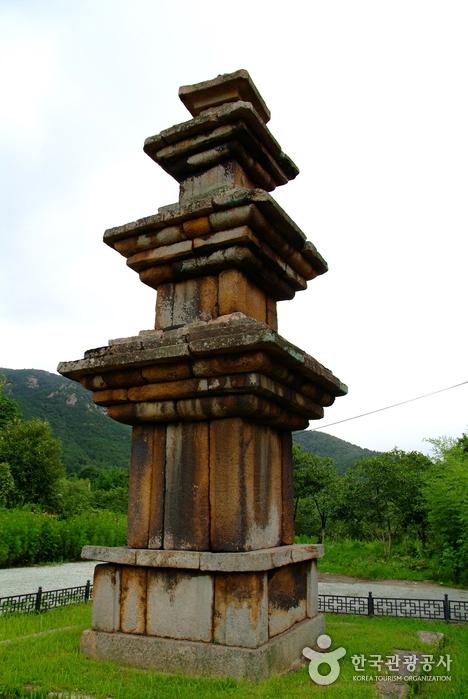 강진 월남사지 삼층석탑