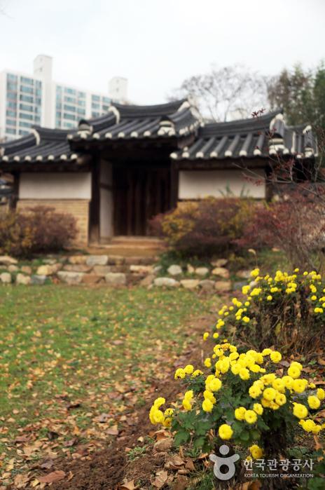 Парк Тончхундан в городе Тэчжон (대전 회덕 동춘당)5