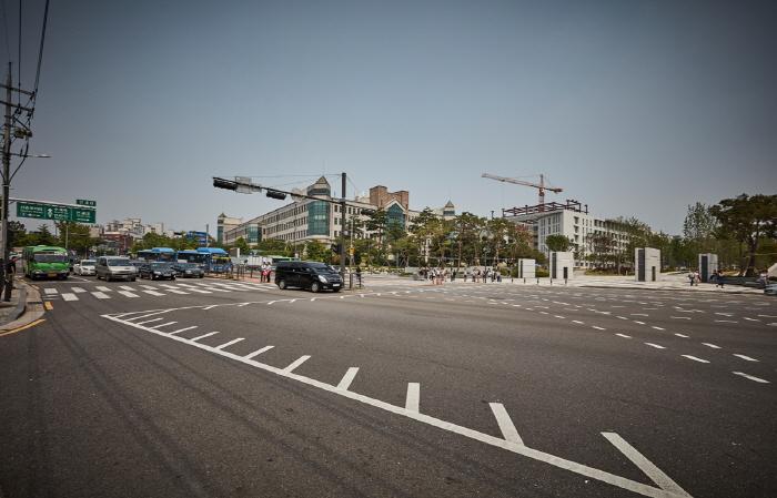 Yeonsero (Yonsei University Street) (연세로)