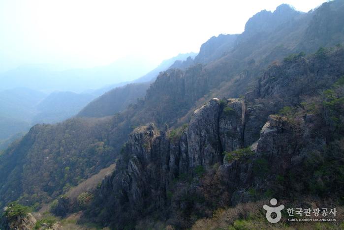 Daedunsan Provincial Park (Geumsan) (대둔산도립공원 - 금산)