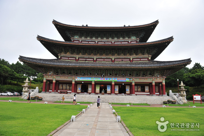 Храм Якчхонса на Чечжудо (약천사(제주))6