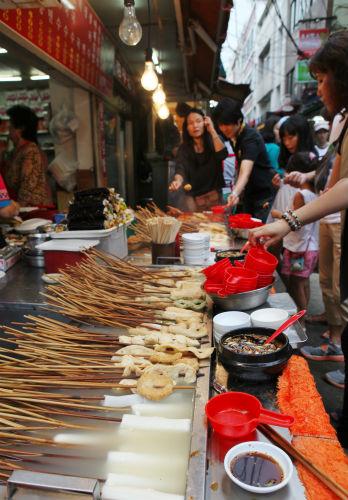대표적인 길거리 음식, 부산어묵과 물떡꼬치
