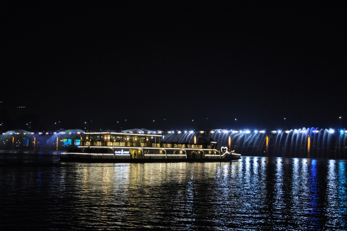 ELAND CRUISE(漢江遊覽船)(이랜드크루즈 (한강유람선))3