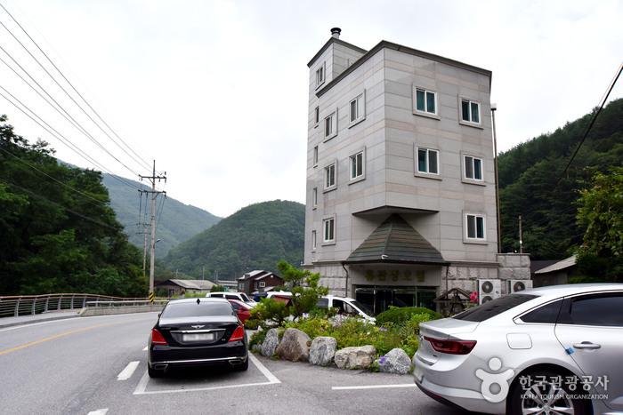 Hue Hotel [Korea Quality] / 휴호텔 [한국관광 품질인증]