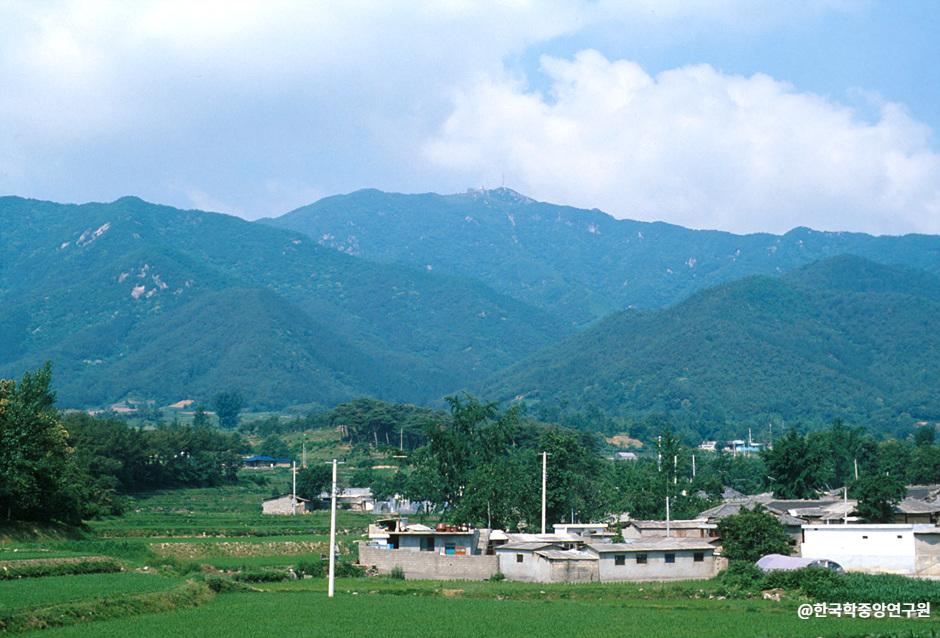 Berg Moaksan (모악산)