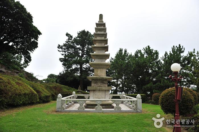 Храм Якчхонса на Чечжудо (약천사(제주))5