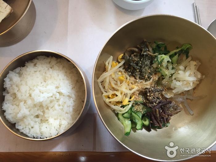 カチ クモン チプ(까치구멍집)