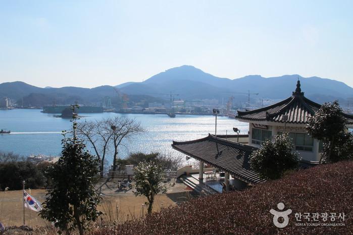 南望山彫刻公園(남망산조각공원)