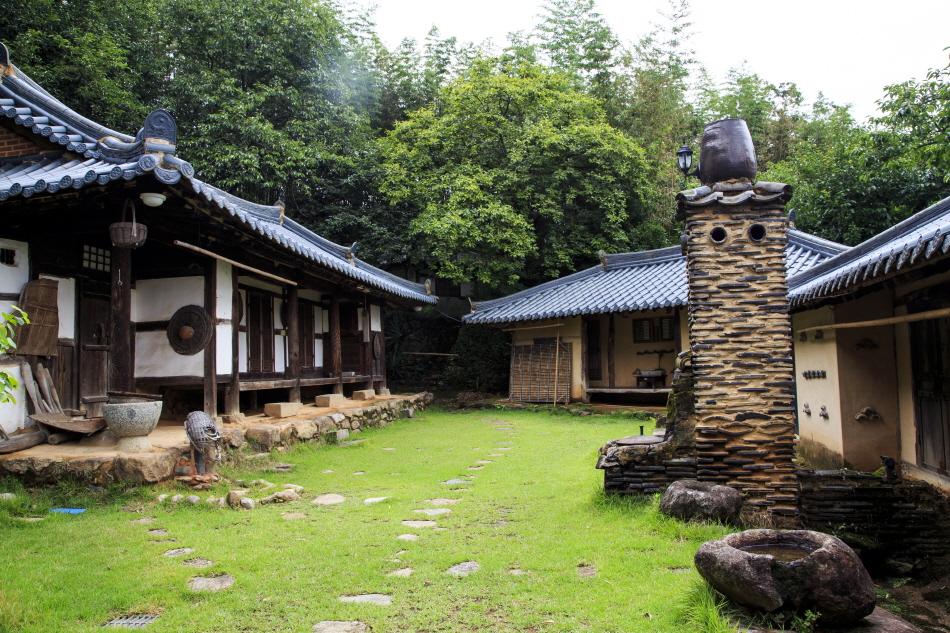 상사마을 쌍산재에서 고택 체험을 할 수 있다.