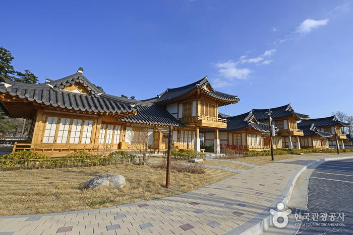 GANGNEUNG OJUK HANOK VILLAGE [Korea Quality] / 강릉오죽한마을[한국관광 품질인증]