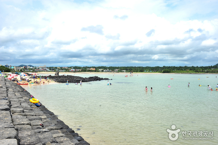 Strand Pyoseon Haevich (표선 해비치 해변)
