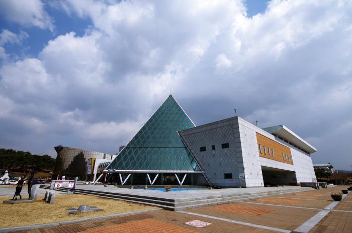 宝石博物館(보석박물관)