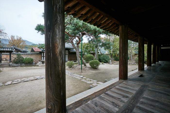 Zone d'habitation de la famille Nam (남평문...