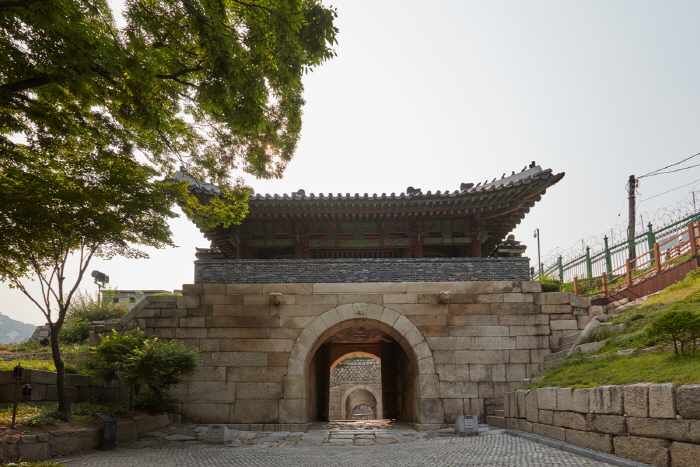 Changuimun Gate - Jahamun Gate (창의문(자하문))