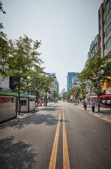 Улица Ёнсе-ро в районе Синчхон (연세로)32