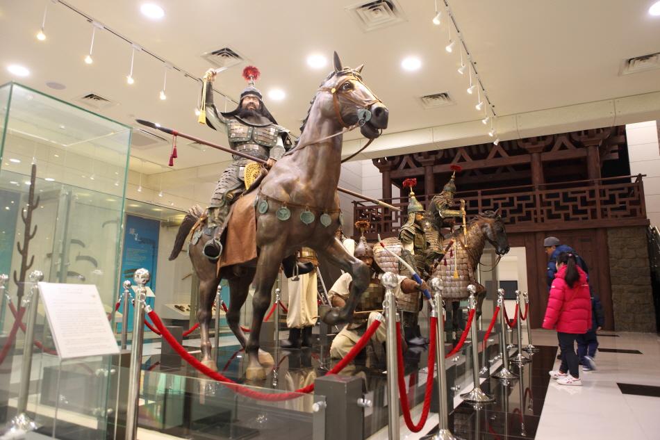백제군사박물관 2전시실에 있는 실물 크기 군사 모형