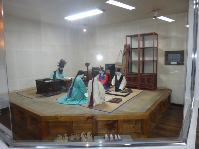Образовательный музей «Ханбат» (한밭교육박물관)7