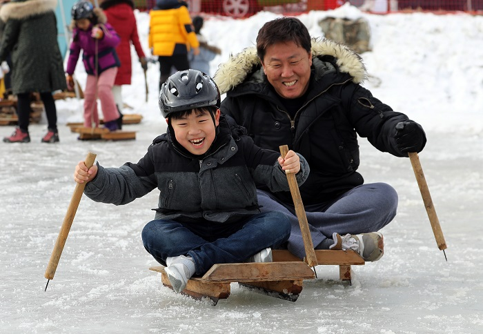 Фестиваль снега в Тэгваллёне (대관령눈꽃축제)